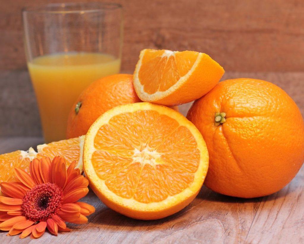 Sliced oranges with orange juice